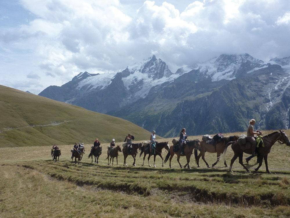 Au pied du Mont Aiguille Trièves à cheval