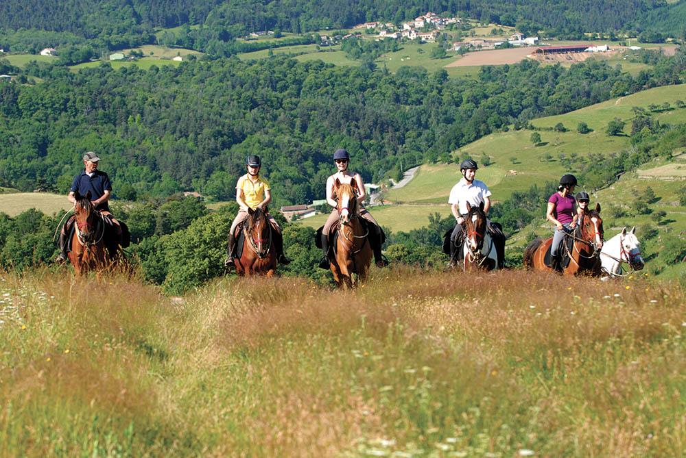 Les Pierres d'Antan Lacote Fournier à cheval