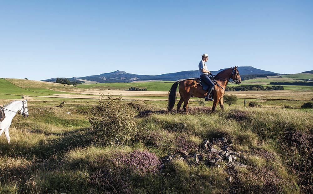 Pays Roannais à cheval Loire