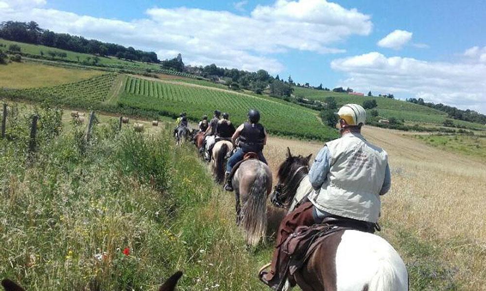 Propieres randonnée à cheval Ouest Beaujolais