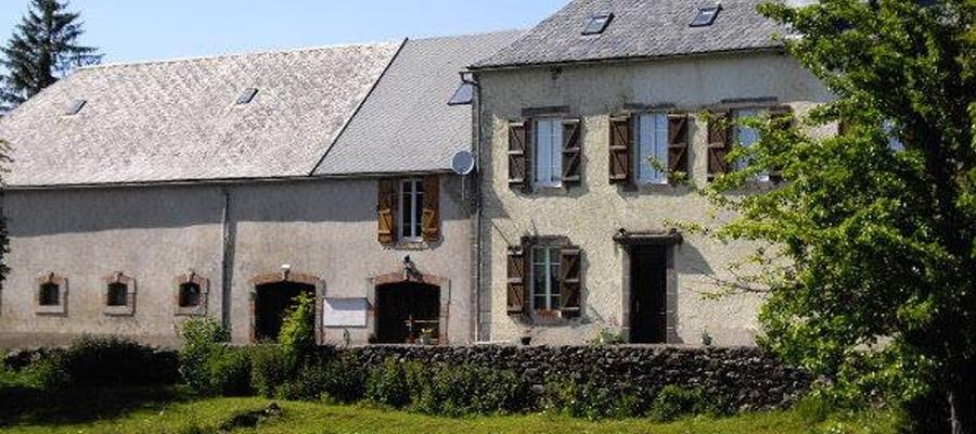 Ecuries du Haut Cantal Montboudif gite equestre