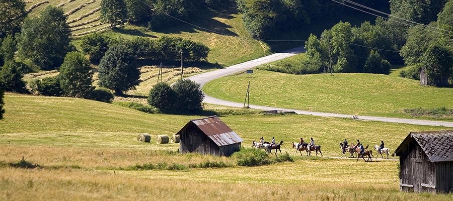 Centre Équestre des Bauges randonnee cheval