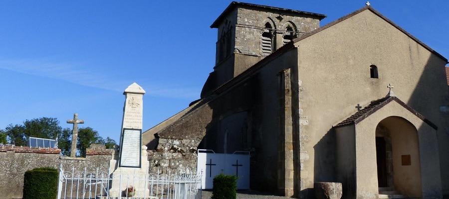 Le Bois Mal Chirat l Eglise Allier Randonnee cheval