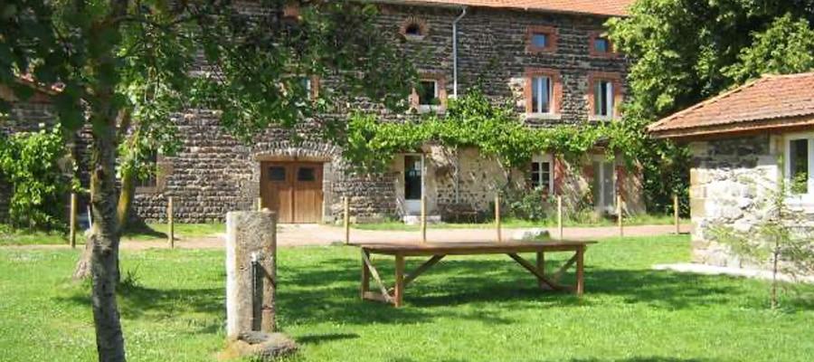 Gite des Pradeaux chambre hote circuit randonnee cheval Haute Loire
