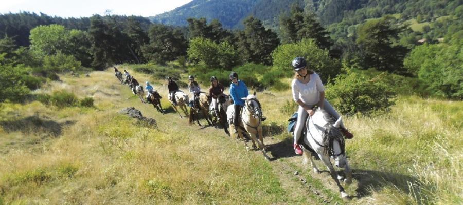L'Ecrin du Velay Vert circuit randonnee a cheval Haute Loire